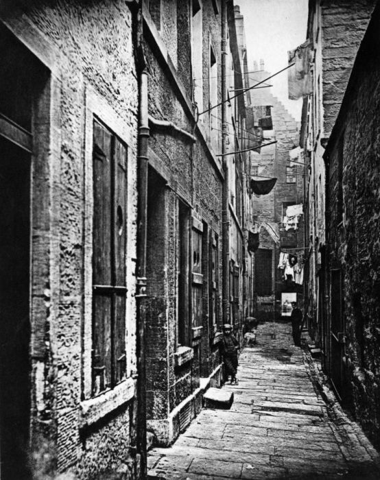 Incredible Photos Show The Slums Of Glasgow In The 1860s (9 pics)