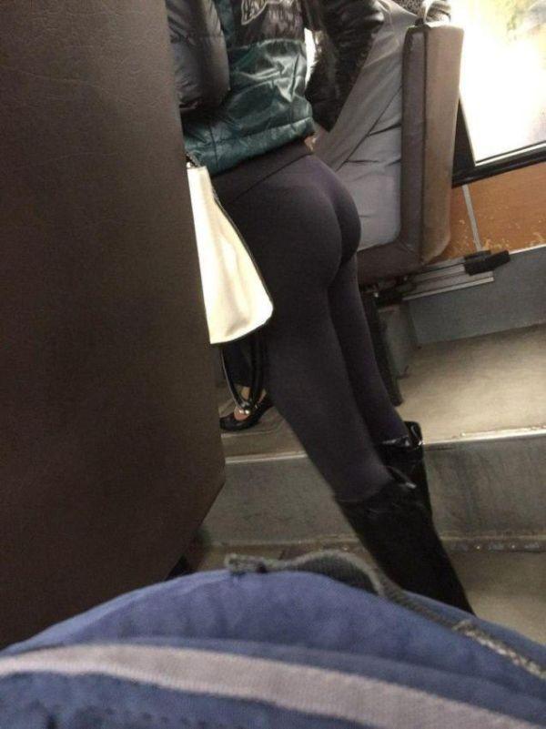Girls In Leggings Keep Winter Hot (16 pics)
