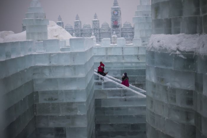 There Is An Entire City Made Out Of Ice In China (10 pics)