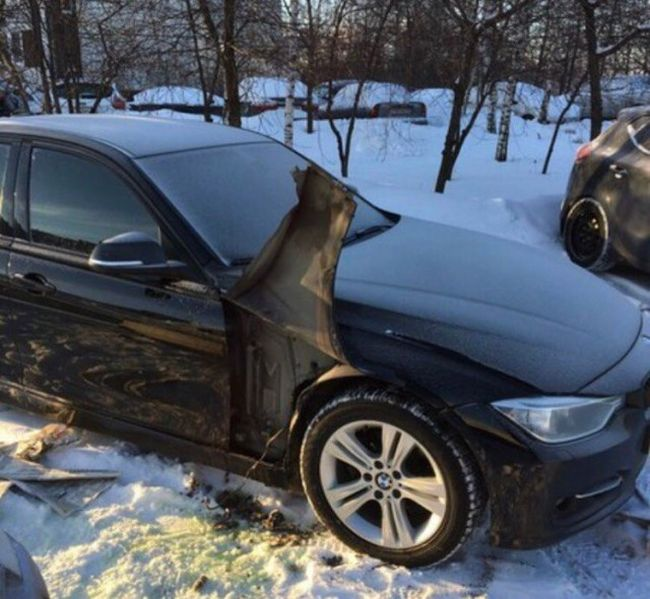 Headlight Cleaning System Stolen From A BMW (2 pics)
