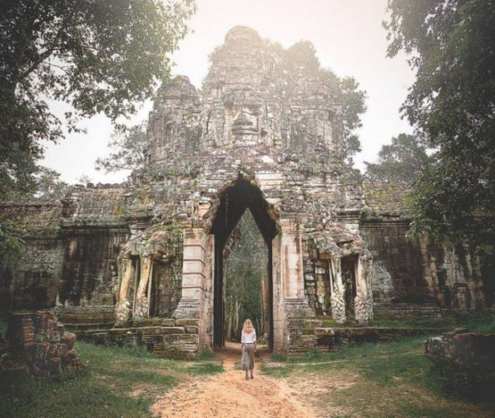 She Worked 4 Jobs For 4 Months To Take The Trip Of A Lifetime (28 pics)
