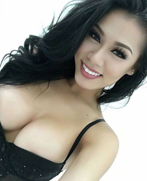 These Smoking Hot Asian Girls Are Real Stunners (53 pics)