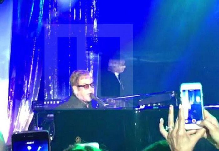 Russian Billionaire Hires Sir Elton John And Mariah Carey For A Wedding (12 pics)