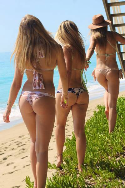 When It Comes To Beautiful Ladies The More the Merrier (42 pics)