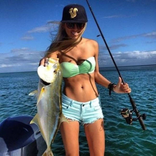 Pics That Prove Hot Girls Like To Fish Too (45 pics)
