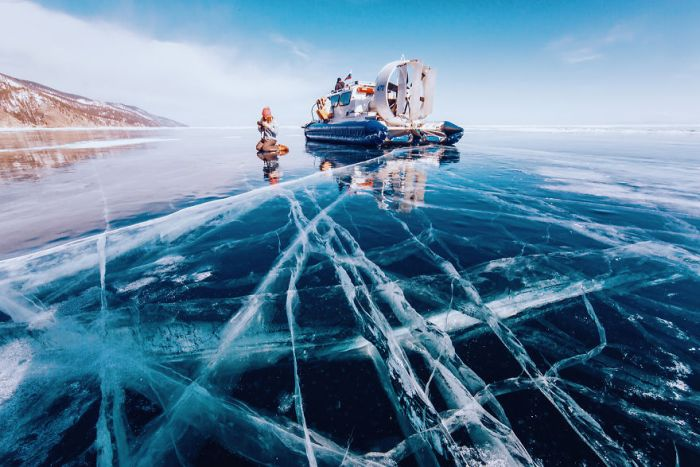 Breathtaking Photos From Frozen Lake Baikal (21 pics)
