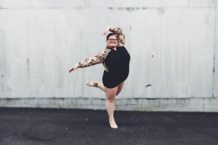 Overweight Ballerina Dances Better Than The Skinny Girls (12 pics + video)