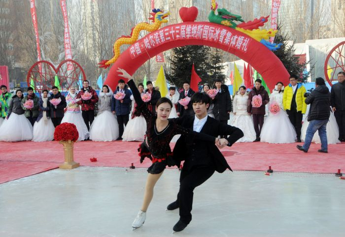 Candid Photos Show Off Everyday Life In China (50 pics)