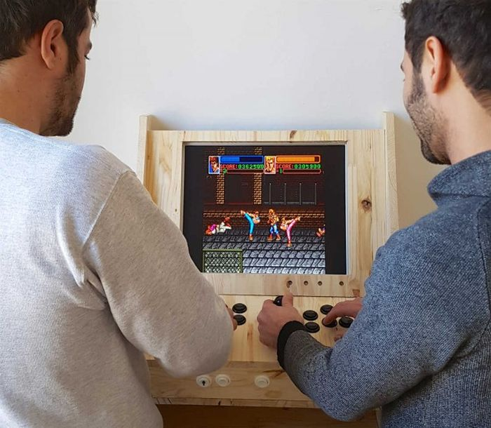 Guy Builds One A Kind Arcade Game Cabinet (17 pics)