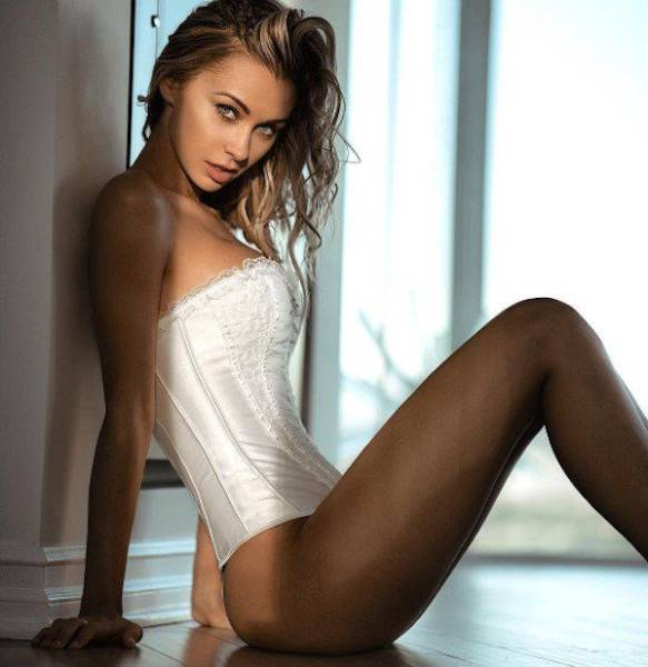 Ladies In Lingerie That Will Wash Your Worries Away (54 pics)