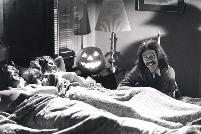 Interesting Behind The Scenes Pics From The Set Of Halloween (40 pics)