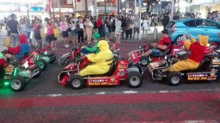 Weird And Wacky Photos From Japan (25 pics)