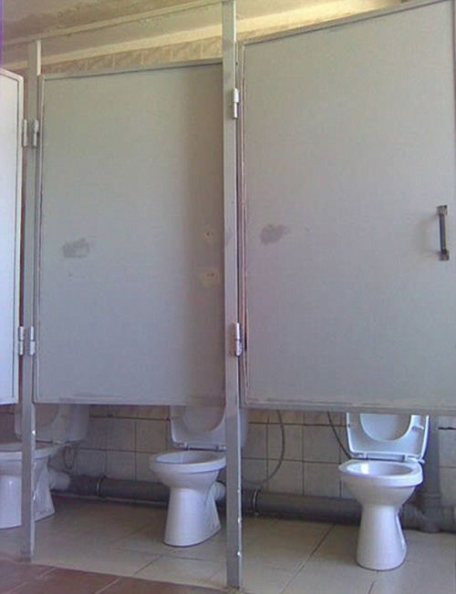 Outrageous Toilet Fails That Will Shock You (15 pics)