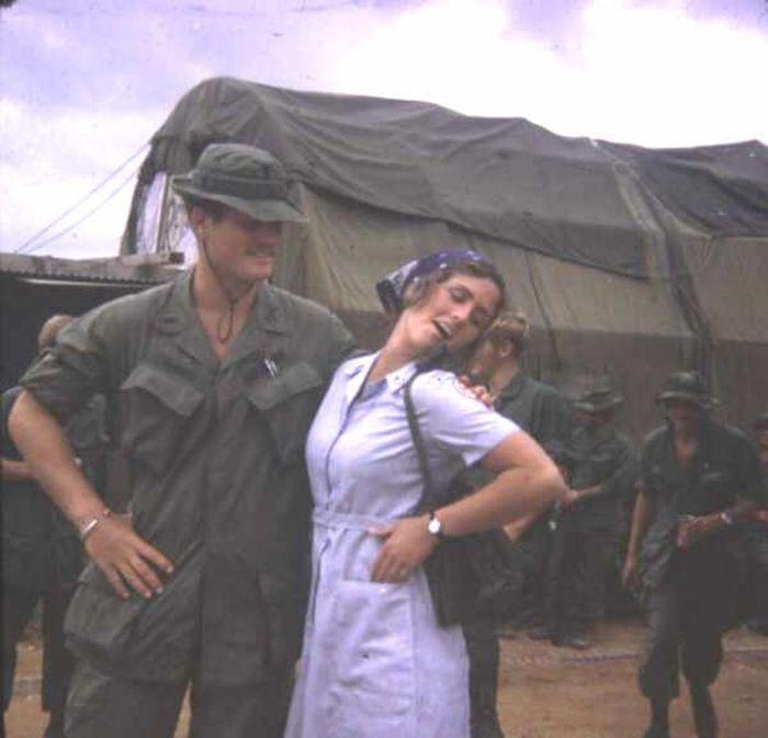 Throwback Photos From The Vietnam War (51 pics)
