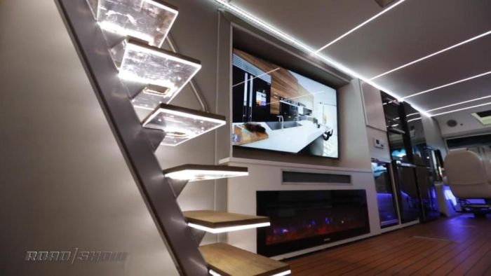 State Of The Art Motorhome Comes With A Hot Tub And A Helicopter (7 pics)