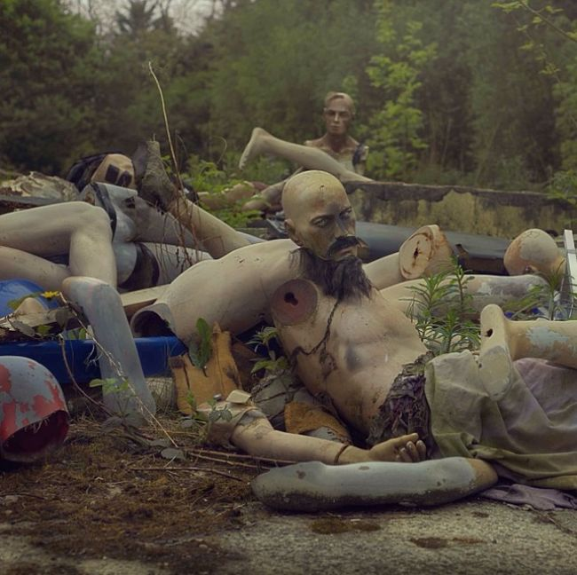 This Guy's Photos Of An Abandoned Theme Park Will Terrify You (6 pics)