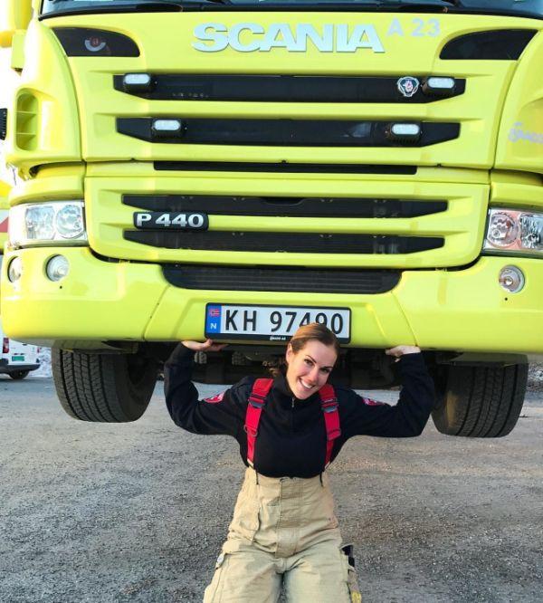 Gunn Narten Is Being Called The World's Sexiest Firefighter (12 pics)