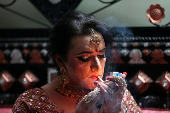 Photos From A Transgender Party In Pakistan (10 pics)