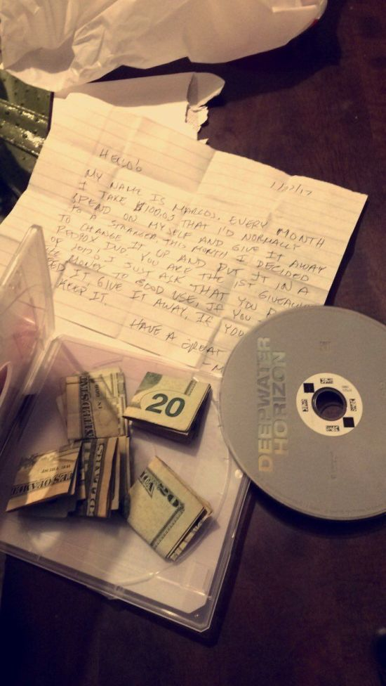 Person Gets An Unexpected Surprise From A Redbox Movie (3 pics)