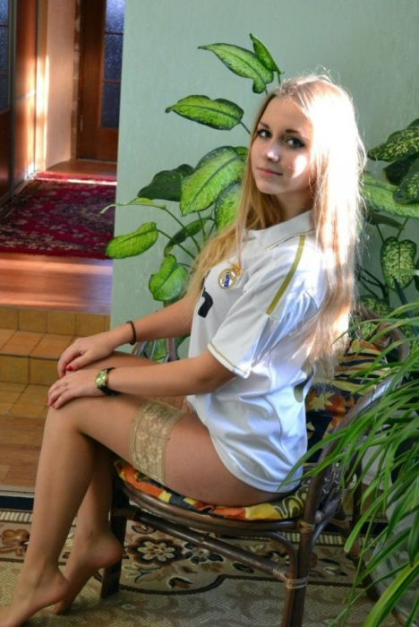 These Russian Girls Are Undeniably Beautiful (36 pics)