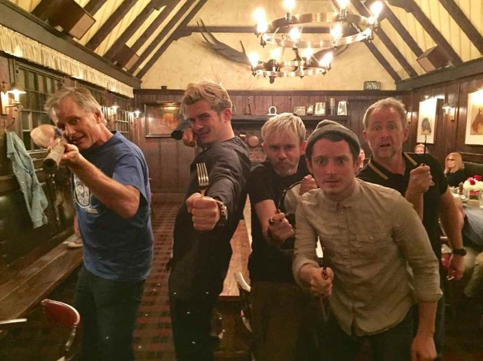 Actors From Lord Of The Rings Come Together For Epic Reunion Photo (3 pics)