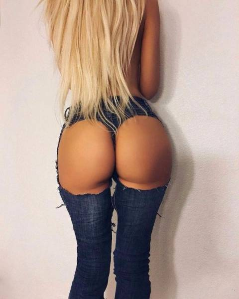 Amazing Butt Shots That You Need To See (55 pics)