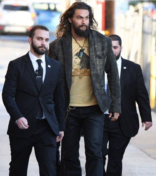 Jason Momoa Is So Big He Needs To Protect His Bodyguards (2 pics)