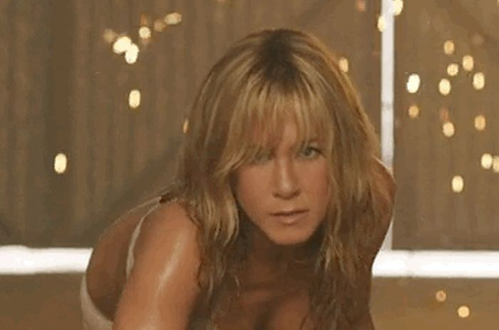 Jennifer Aniston Just Seems To Get Hotter With Each Passing Day (15 gifs)