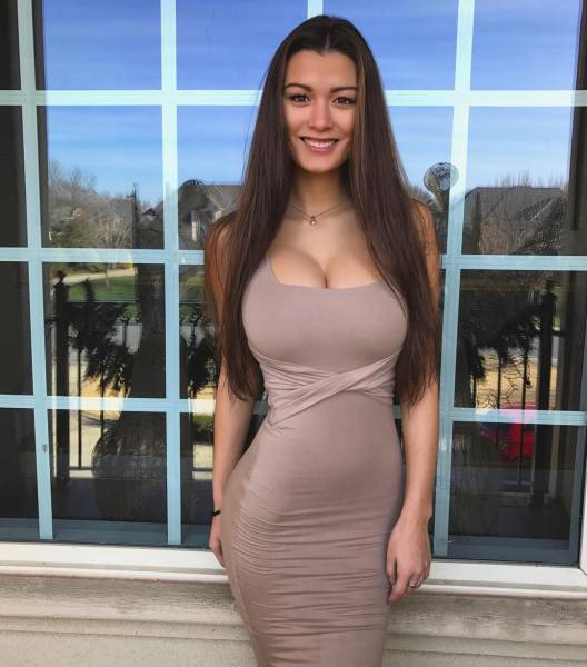 Tight Dresses Give The Best Hugs (63 pics)