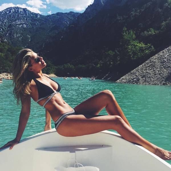 Beautiful Babes In Bikinis Are A Dream Come True (59 pics)