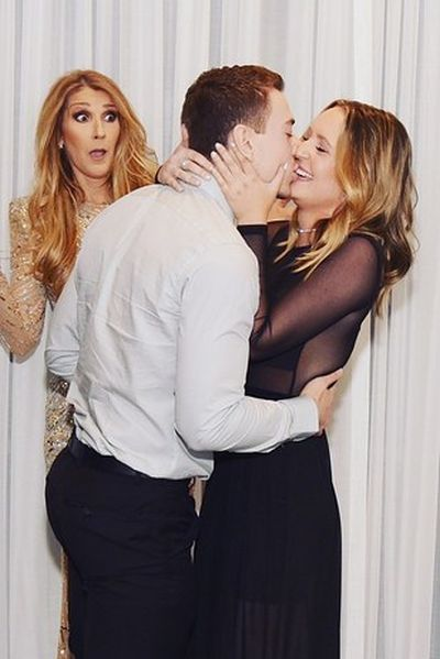 Celine Dion's Face Was Priceless When This Guy Proposed To His Girlfriend (5 pics)