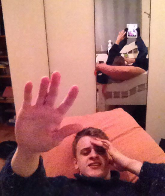 Selfie Fails By People Who Forgot To Look In The Background (30 pics)