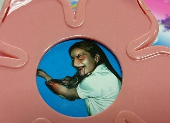 Parents Find Something Terrifying Inside Their Daughter's Toy (5 pics)