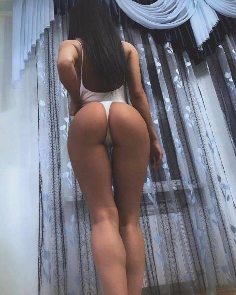 It's Always A Good Time To Enjoy Girls With Great Butts (54 pics)