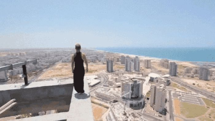 These GIFs Are Only For The Bravest Of The Brave (29 gifs)