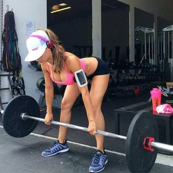 Strong Sporty Girls Show How Sexy Fitness Can Be (56 pics)