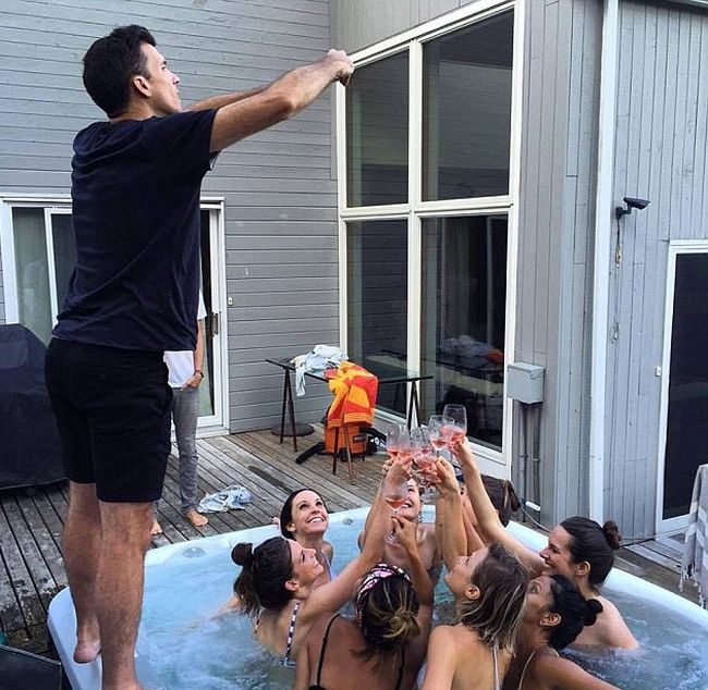 Men Reveal The Other Side Of Perfect Social Media Snaps (22 pics)