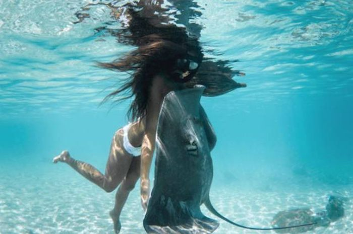 This Real Life Mermaid Is Absolutely Gorgeous (25 pics)