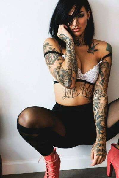Hot And Hardcore Girls Who Love Tattoos (60 pics)