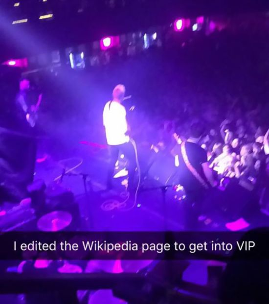 Teen Uses Wikipedia To Sneak Into Band's VIP Section (9 pics)