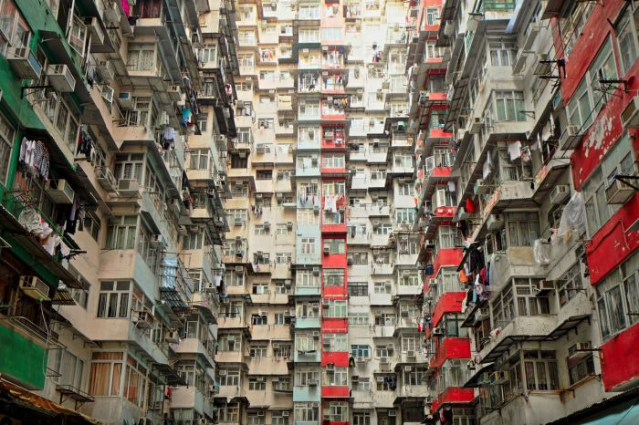 Tiny Apartments In The City Of Hong Kong (10 pics)