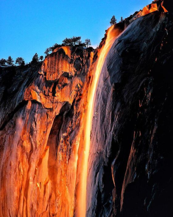Incredible Photos Show A Waterfall Of Fire (5 pics)
