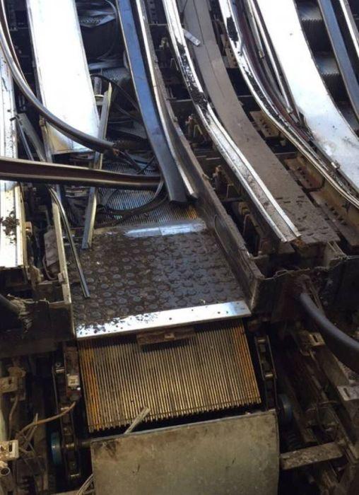 Escalators Really Are A Threat To Mankind (17 pics)