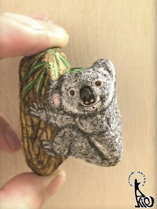Artist Tries To Paint The Life Inside The Stone (20 pics)