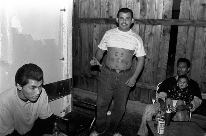 Los Angeles Gangs From The 1990s (16 pics)