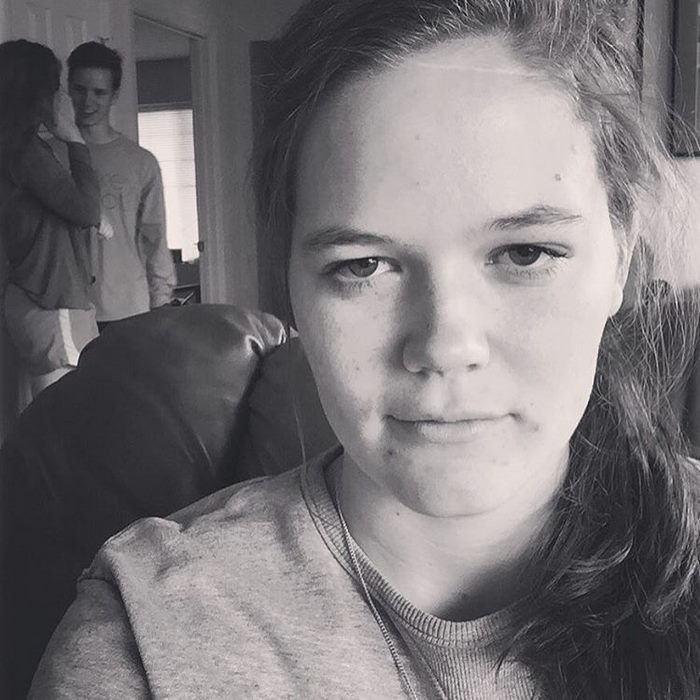 Girl Documents Her Life As The Third Wheel (12 pics)