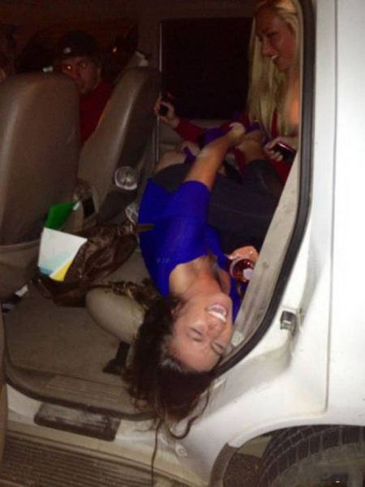 Incredibly Poor Decisions Brought To You By Alcohol (30 pics)