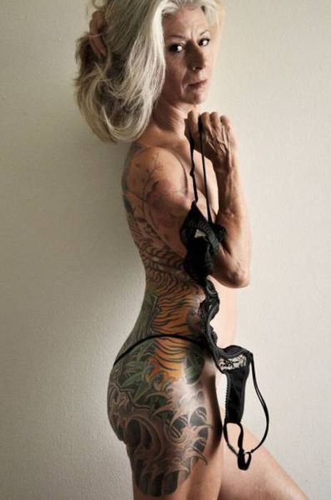 This Woman Proves Age Doesn't Matter If You Want To Look Stylish (10 pics)