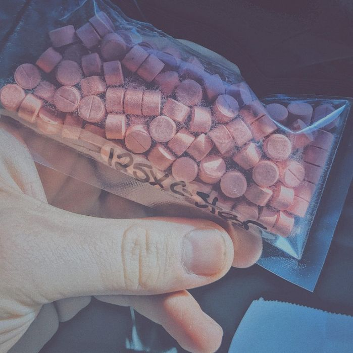 Drug Aficionados Are Showing Off Their Stashes Online (24 pics)