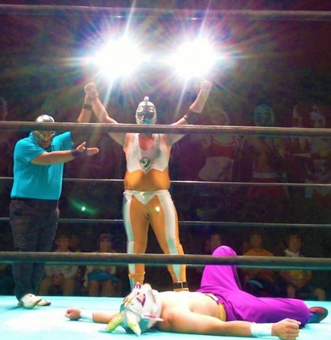 Japanese Wrestling Will Make Your Brain Hurt (26 pics)